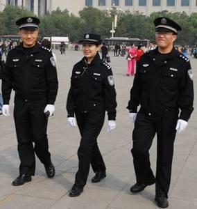 Nefotografujte čínské policisty, vezmou vám foťák...