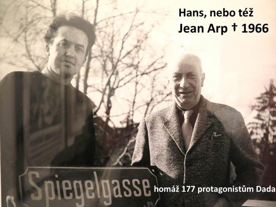 1957 - Hans Arp s hostitelem P. Schifferlim na Spiegelgasse