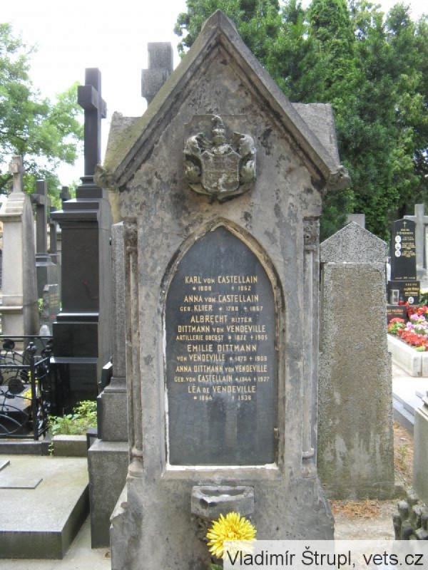 Původní stav náhrobku od 19. století.