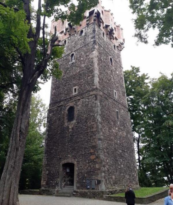 Věž starého piastovského hradu