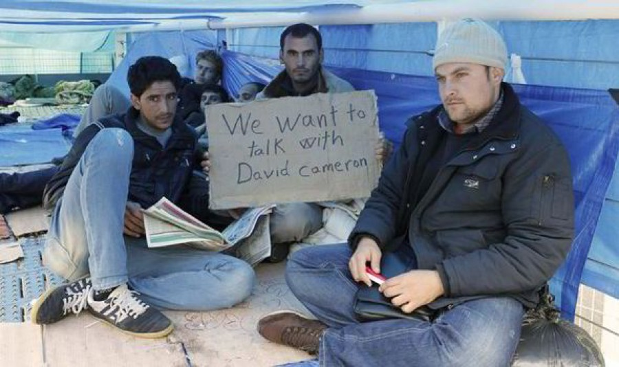 Chcete mluvit s Cameronem? S nástupem hnutí Naše Země se vám to nikdy nepodaří...