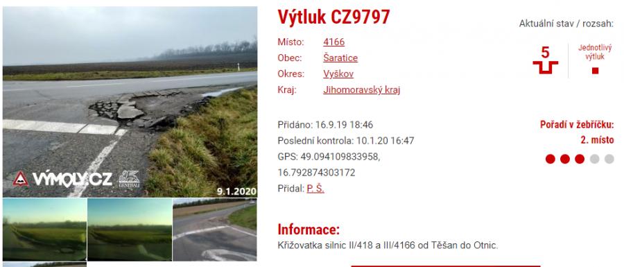 Znáte web a aplikaci vymoly.cz? Varuje to řidiče před nebezpečnými úseky, výtluky i nepřehlednými přejezdy.