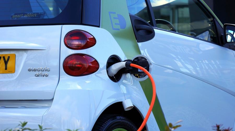 Ani hybridní automobily nemusí výrazně snižovat emise.