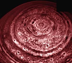 Záhdný sestiuhelník na Saturnu