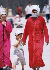 Po ránu ve slamu, ani ránu bez islámu...