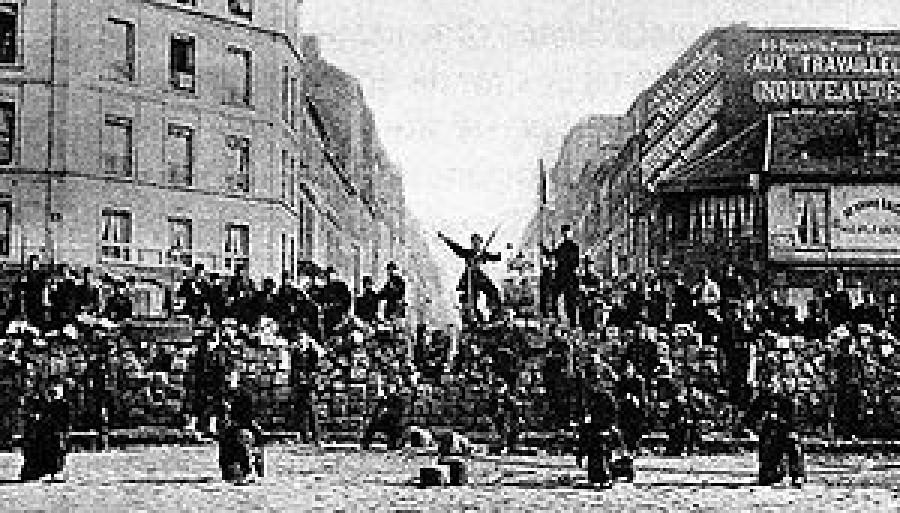 Hrdinní pařížští komunardi na barikádách v květnu 1871