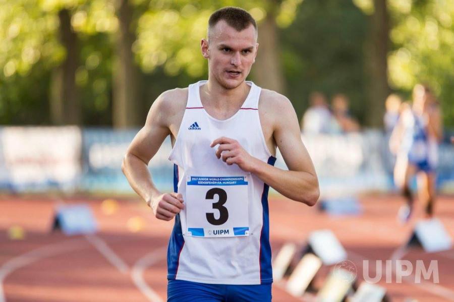 Marek Grycz při závěrečné disciplíně pětiboje.