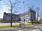 Okresní státní zastupitelství ve Frýdku-Místku zametá kauzy politiků pod koberec.