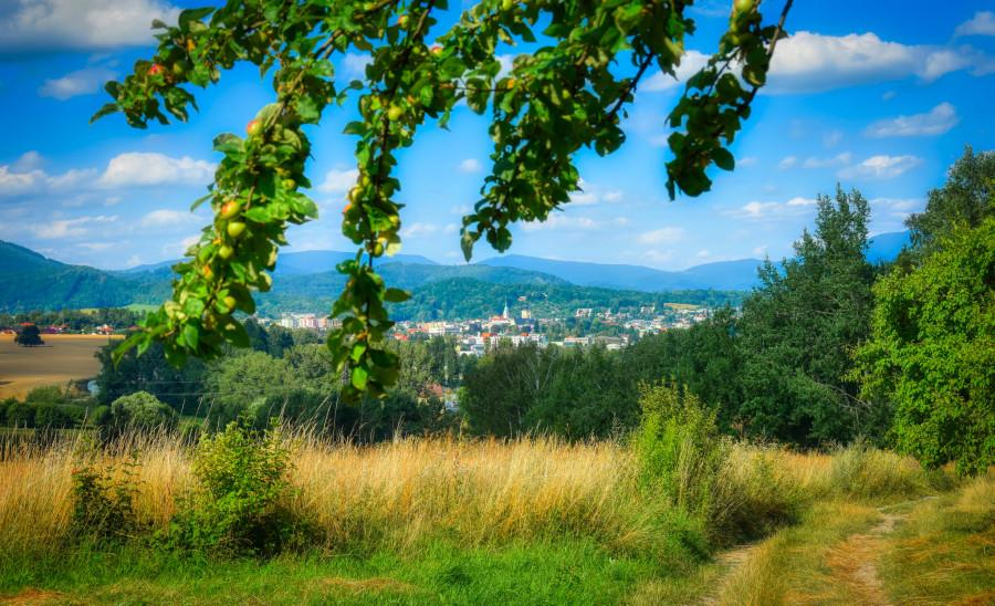 Krajina, kterou naši německy hovořící předci za staletí tvrdé práce vyrvali nelítostné přírodě.