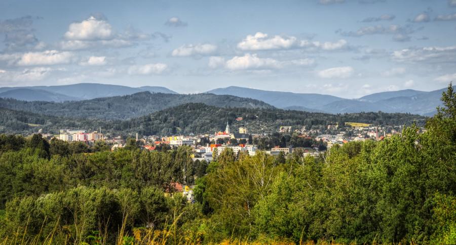 Tohle panorama má člověk, žije-li v Šumperku, každý den před očima.