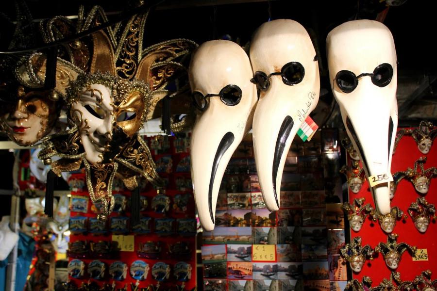 Nejoblíbenějším suvenýrem jsou masky