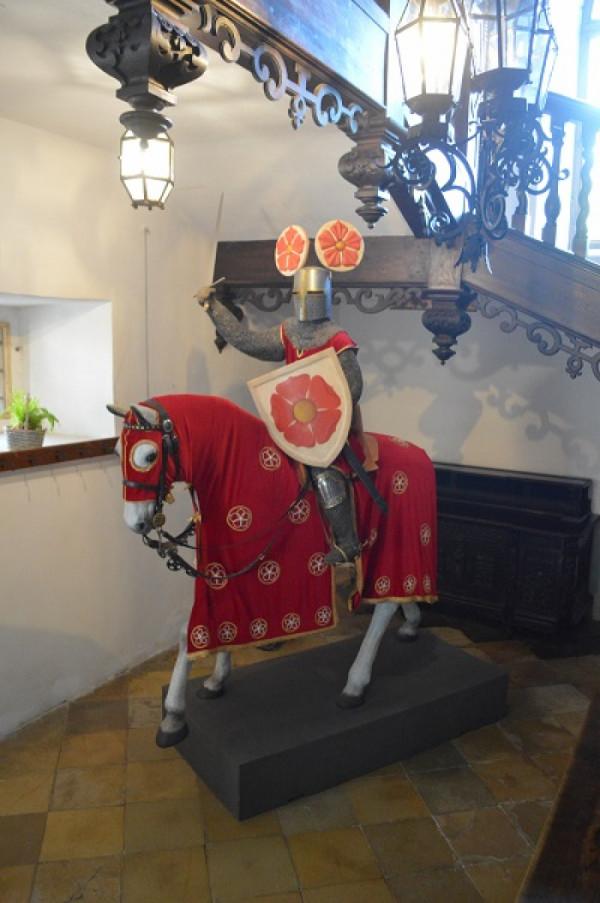 Rytíř na hradě Rožmberk