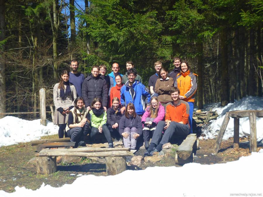 Společná fotka účastníků a organizátorů víkendovky