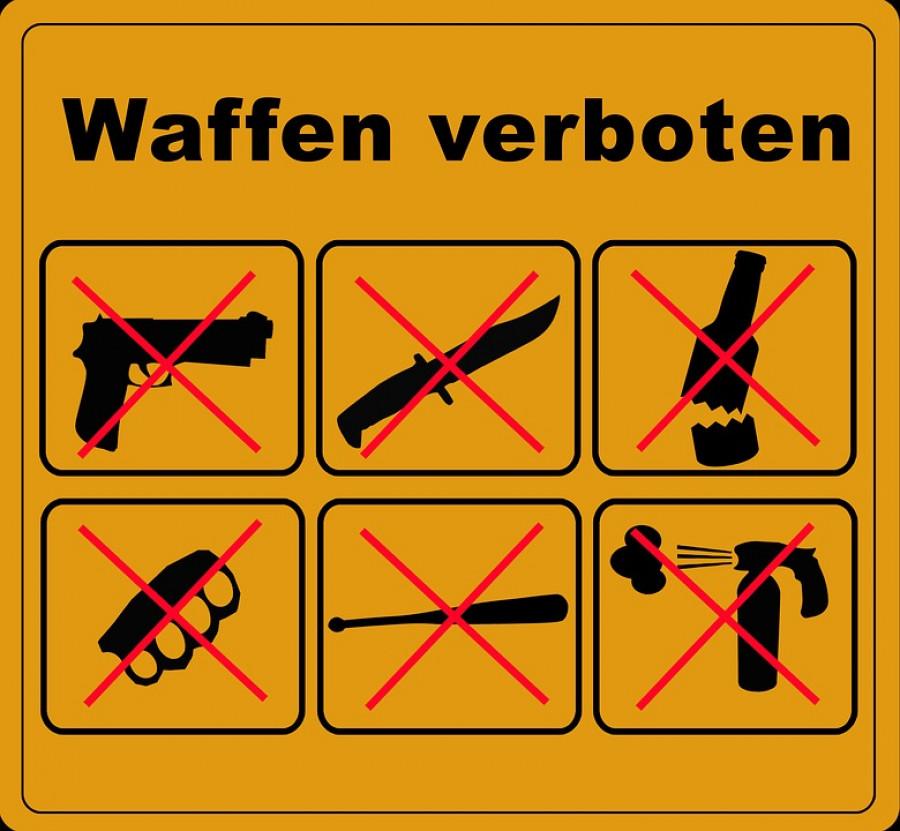 Cedule v německých zónách beze zbraní.