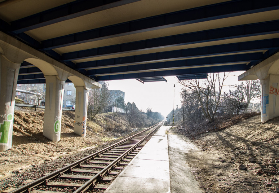 zastávka Kladno město bude přímo pod mostem, s eskalátory, výtahy a komfortními nástupišti