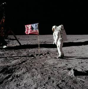 (Buzz Aldrin na Měsíci. Foto:  NASA History Office)