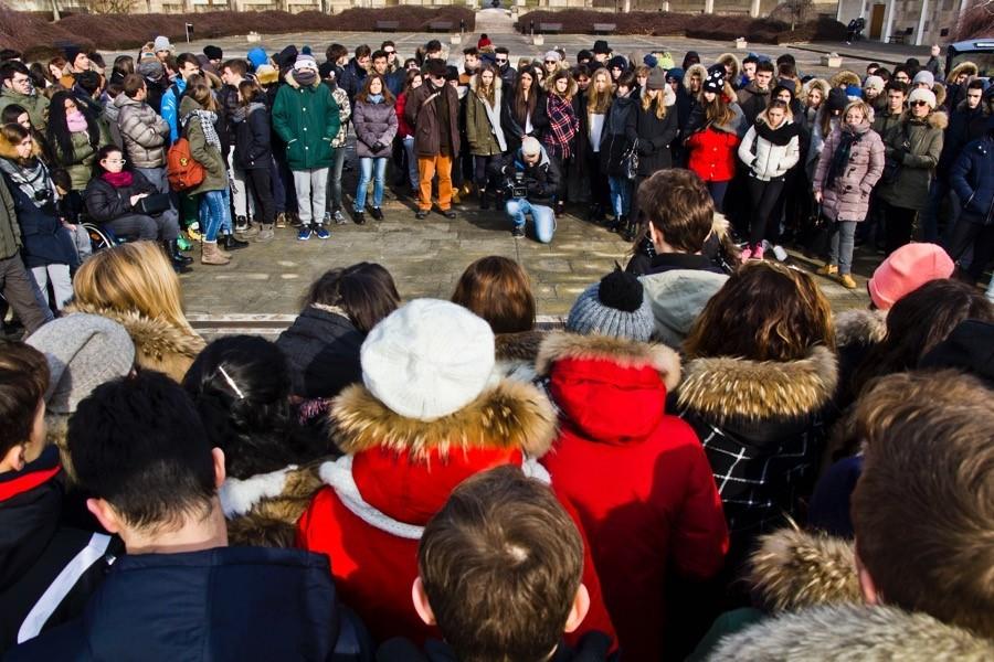 Italští studenti v Památníku  Lidice