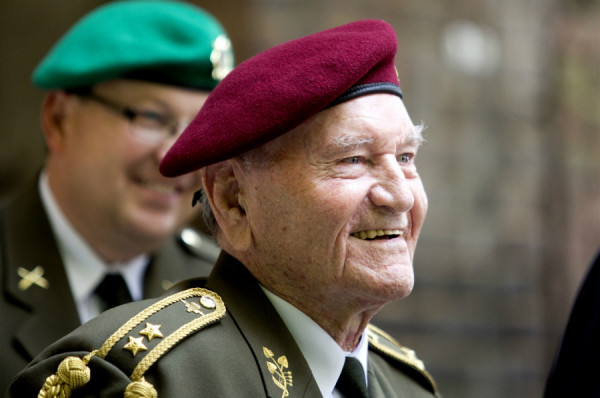 poslední parašutista z Anglie, generálporučík Jaroslav Klemeš