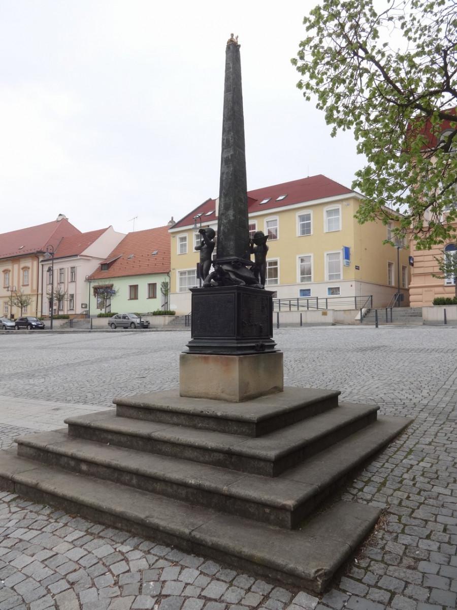 Obelisk Via Lucis v Uherském Brodě
