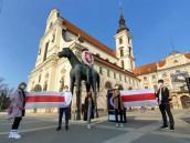 Desítky běloruských studentů našly útočiště v Česku