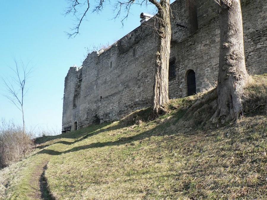Západní stěna paláce