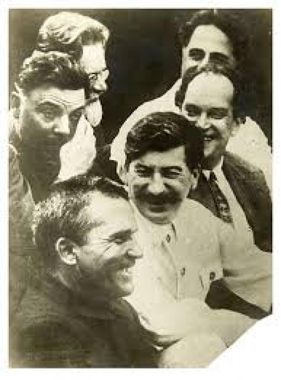 Srdečná diskuse bolševických vůdců.