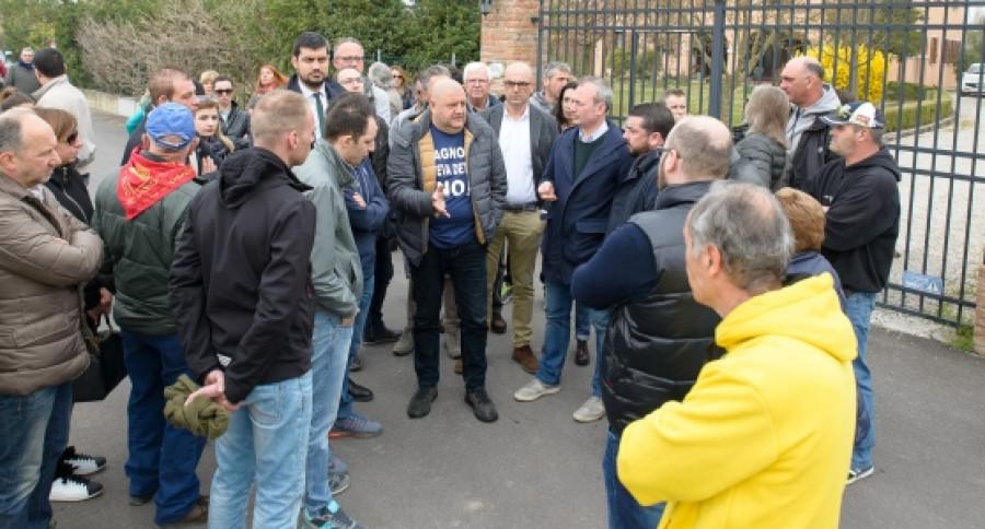 Protest občanů v Bagnoli di Sopra.