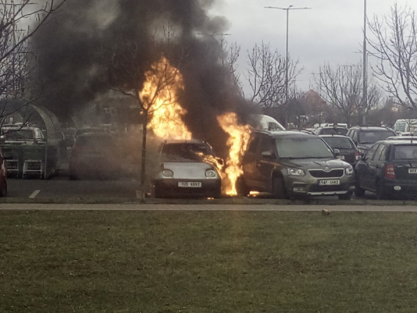3. března 2019 u Globusu v Letňanech. Tam jsem si jen cvakal mobilem a koukal na zásah hasičů. Kdyby tam hořel elektromobil, tak utíkám jak splašenej!