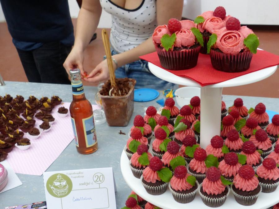 Již samotná prezentace dortíků vyvolávala v návštevnících chuť na sladké.