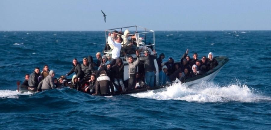 Dříve rybářské lodě byly postupně vyměněny za levné čínské nafukovací čluny s dojezdem cca 100 km. Jak se ukázalo během vyšetřování, pašeráci lidem v Libyi slibují, že budou na moři vyzvednuty neziskovými organizacemi.
