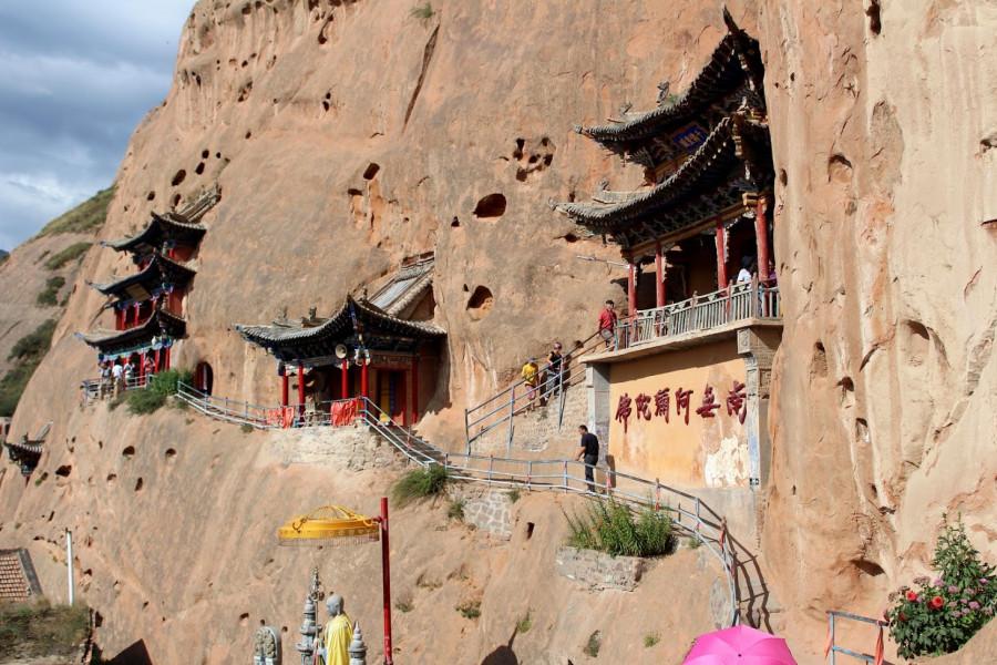 Ne všechny chrámy jsou tak obtížně přístupné, do některých se dá dostat mnohem snadněji - interiéry jsou velmi podobné, pokud má někdo problém se stísněnými prostory, vynecháním horních chrámů o nic nepřichází (kromě trochy toho adrenalinu)