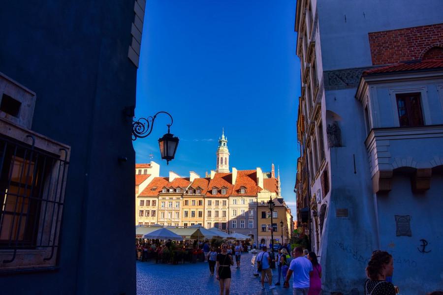 Varšavská Starówka. Celá Varšava byla za války srovnána se zemí. Všechno Poláci museli znovu postavit.