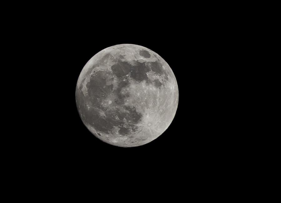 Měsíc krátce před úplňkem, 20. ledna 2019, 17.52 hod