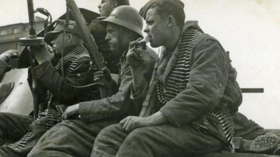 Bok po boku. Čeští povstalci a ruští vojáci ROA v boji za naši svobodu.