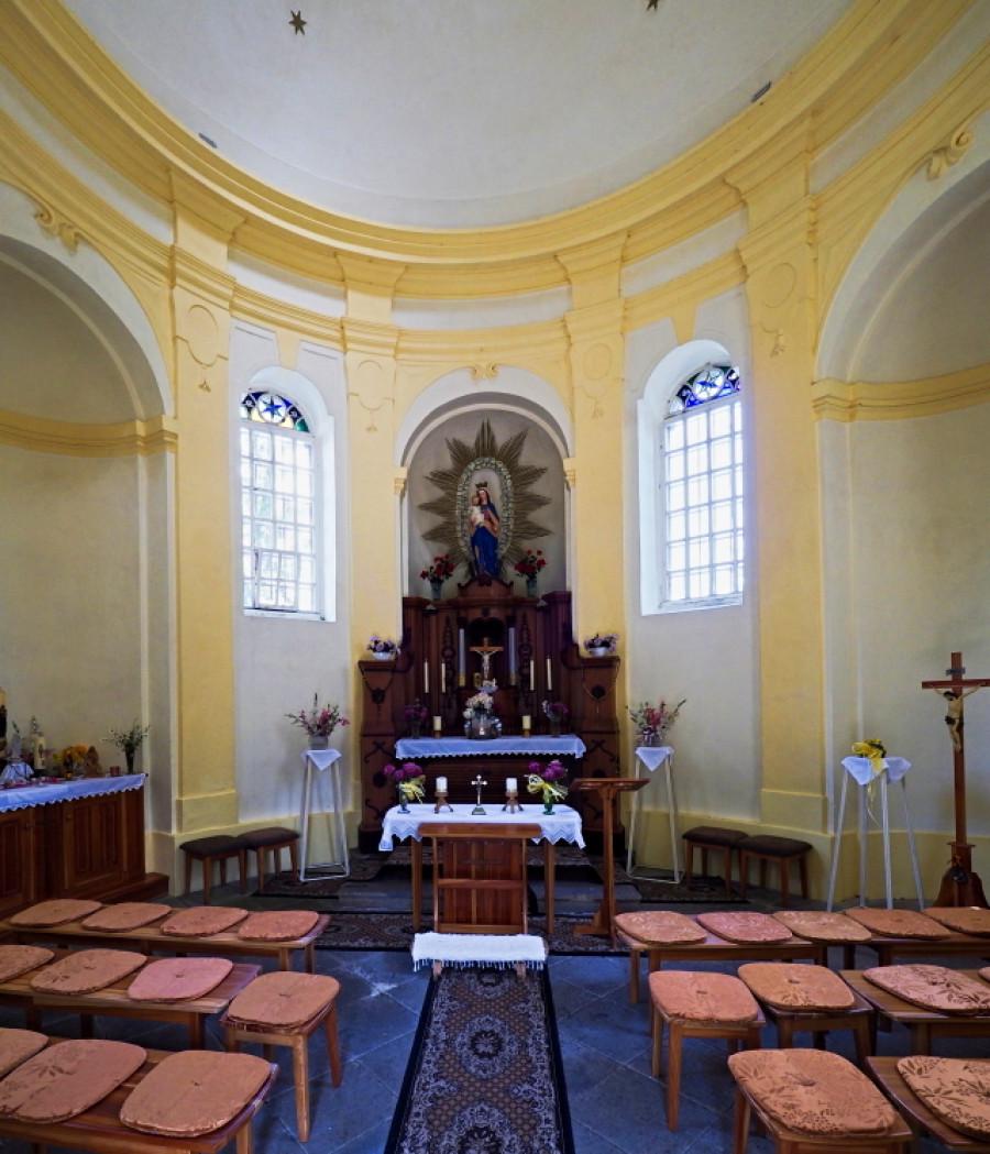 Vnitřek kaple