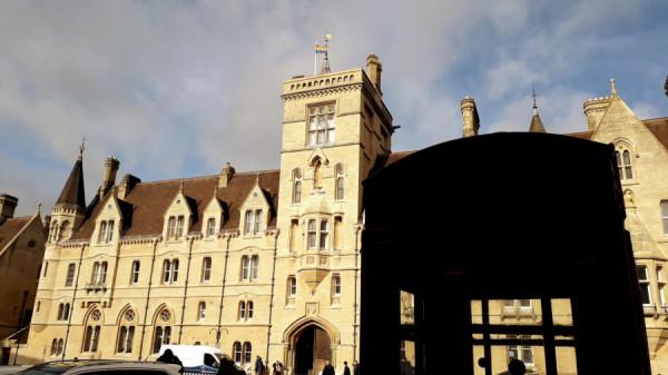 Balliol College - fakulta, kde se vysokoškolsky vzdělával mladý studentík Boris Johnson, současný britský premiér