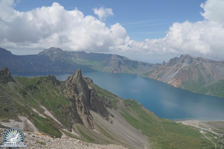 Pro velký úspěch ještě jedno foto z vrcholu hory Pektu