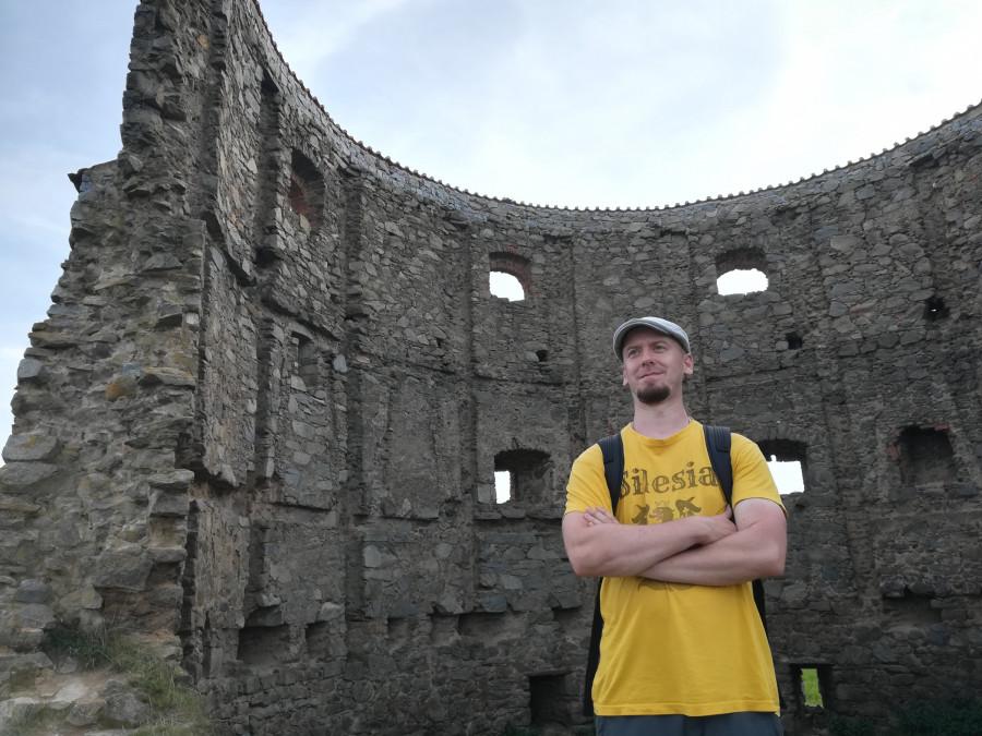 Ruina největšího větrného mlýnu v Evropě v Příčovech připomíná malé koloseum