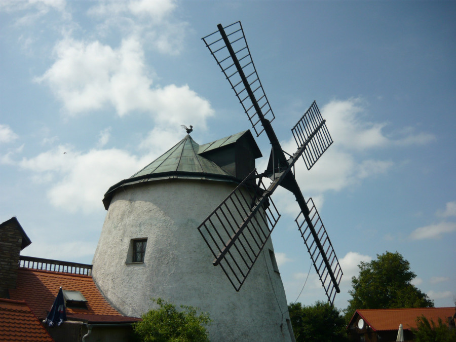 větrný mlýn - Lesná