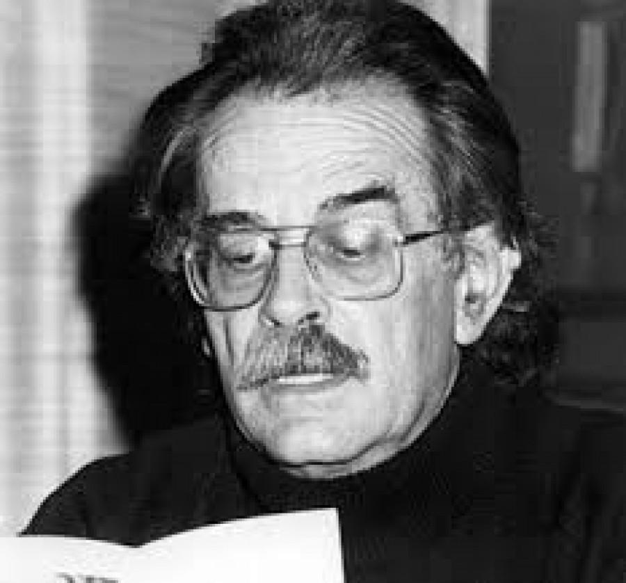 Pierre Broué (1926 – 2005) byl francouzský historik a trockista. Ve svém tématicky rozmanitém díle se zabývá dějinami bolševické strany, historií španělské revoluce a životem Lva Trockého. K Trockého autobiografii Můj život, napsal Broué předmluvu.   Broué se narodil v Privas, Ardèche. Jako mladý člen Francouzské komunistické strany bojoval během druhé světové války v rámci francouzského odporu proti nacistickým okupantům. Když Josef Stalin rozpustil v roce 1943 Kominternu, stal se Broué vůči stalinismu značně kritickým a z Francouské komunistické strany vystoupil. Vstoupil do Čtvrté internacionály, do konce života zůstal aktivním trockistou v Internacionalistické komunistické straně, následně Internacionalistické komunistické organizaci, než ji v roce 1989 opustil. Od roku 2003 až do své smrti byl blízkým spolupracovníkem a podporovatelem International Marxist Tendency (Mezinárodní marxistické tendence).   Broué zemřel ve spánku v noci z 26. na 27. července 2005 v Grenoblu.  Bylo mu 79 let. Jeho syn Michael Broué je významný matematik.   Bibliografie  • Německá revoluce, 1917-1923  • Trockij (1988)  • L'assassinat de Trockij: 1940 (La Mémoire du siècle) (Úkladná vražda Trockého - Paměti století) (1980)  • Histoire de l'Internationale Communiste: 1919-1943 (1997)