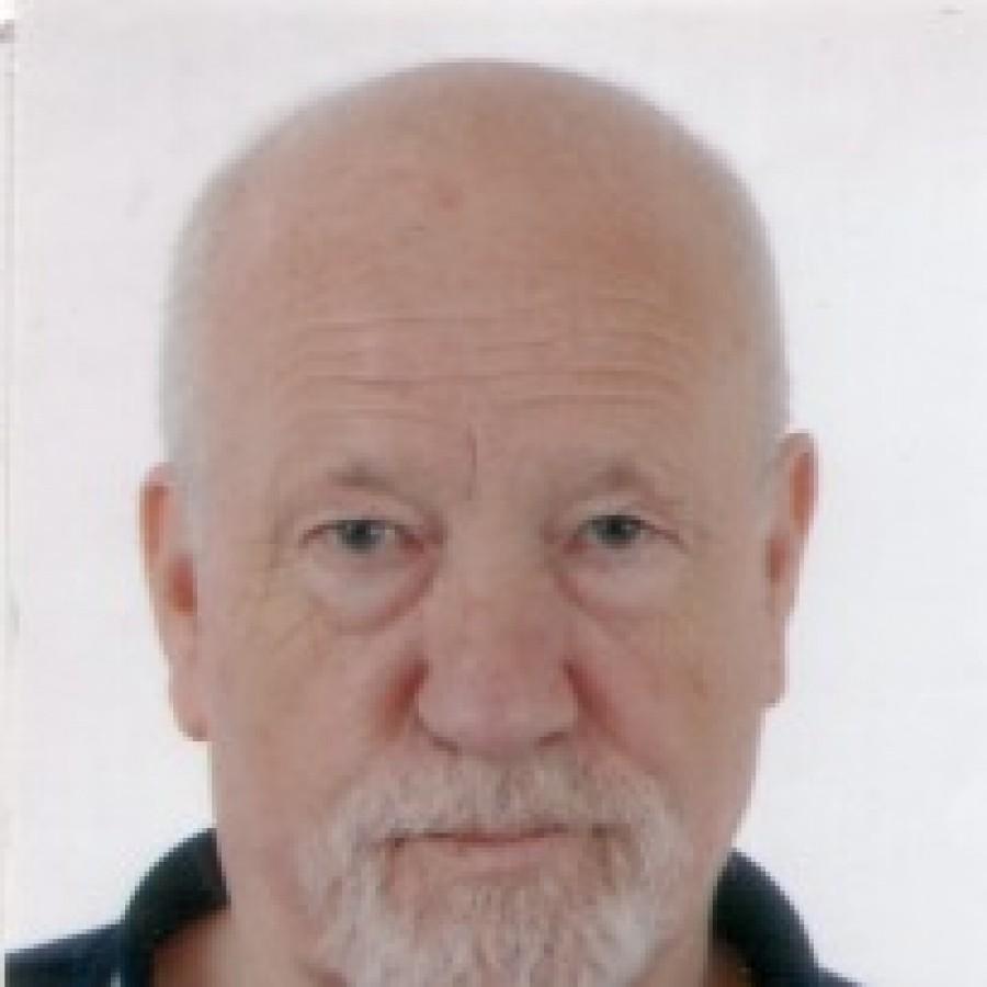 Sean Matgamna, také známý jako John O'Mahony (narozen 1941), je trockistická teoretik. Zakladatel Dělnické boje v roce 1966, je stále prominentní členem skupiny, známé jako Alliance for Workers Liberty (Aliance za dělnickou svobodu)  Matgamna se narodil v roce 1941, v mládí sloužil jao ministrant v chrámu Ennis. V roce 1954 se s rodiči přestěhoval do Manchesteru, kde navštěvoval katolickou školu Svatého Petra ve Salford. Jako dospívající vstoupil do Young Communist League (YCL) Liga mladých komunistů v Manchesteru a následně, v roce 1960, se stal členem trockistické Socialist Labour League (Socialistické labouristicklé ligy Gerryho Healyho, z níž byl v roce 1963 vyloučen. Následně roku 1965 přestoupil do jiné trockistické skupiny Militant a v roce 1966 byl spoluautorem pamfletu, co jsme a co se musí stát, v němž vařil z vody své teorie. Když došla vůdcům Militantu s Matgamnou a jeho kamarilou trpělivost, byl vyhozen, načež museli on i jeho podporovatelé opustit organizaci. Následně se snažil šířit trockistickou propagandu mezi severoirskými katolíky. V roce 1968 vstoupil se skupinou svých trockistických kumpánů do Mezinárodních socialistů, z kteréžto skupiny - trockistické tendence - byl na konci roku 1971 vyloučen. Matgamna se poté stal profesionálním revolucionářem teoretikem na plný úvazek a odstěhoval se do Londýna. Po celá 70., 80. a 90. léta následovaly Matgamnovy pochybné trockistické eskapády.  V roce 1989, Matgamna, spolu s mnoha dalšími členy Socialist Organiser Alliance (Socialistické organizační aliance) přehodnotil některé ze svých názorů na povahu politického systému zemí východního bloku. Oblouzen díly angloamerických trockistů par excellence Hala Drapera a Maxe Shachtmana přičichl k propagandě ideí tzv. Třetího tábora socialismu, jejíž jádro přijal za své.