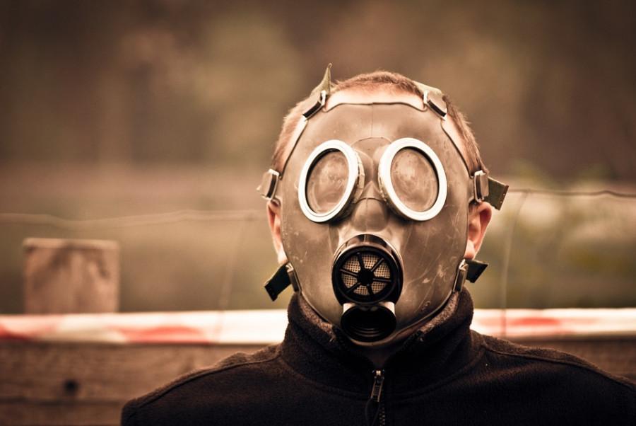 https://pixabay.com/de/maske-gas-m%C3%A4nnchen-mann-junge-469217/