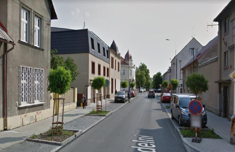 ulice Divadelní po přestavbě, hezké domy v hezké ulici