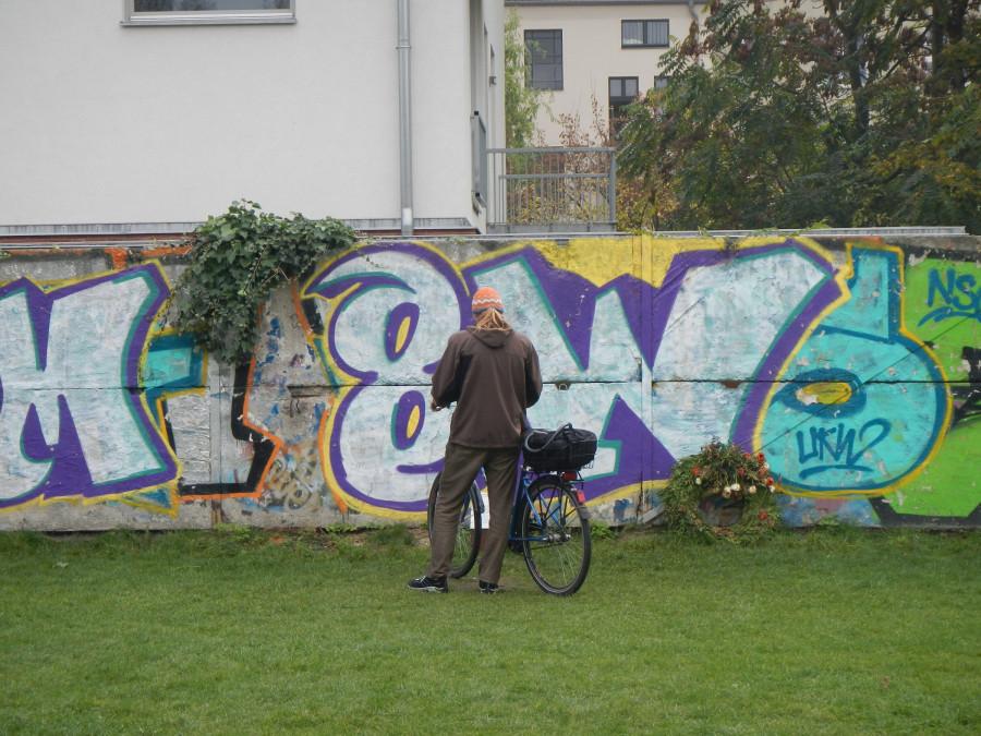 Berlínská zeď. Utkvěla mi v paměti.
