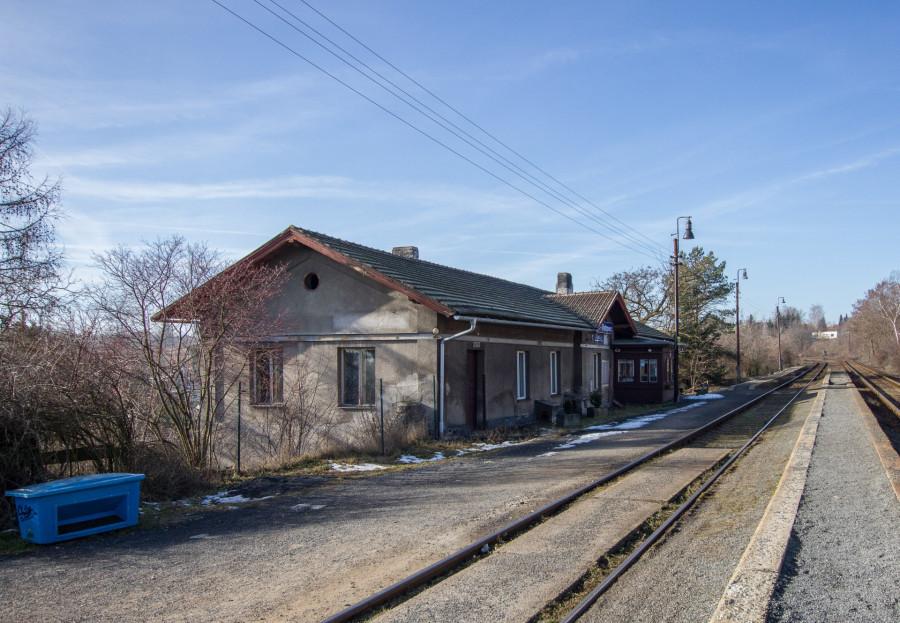 dnešní nádraží Kladno-Ostrovec