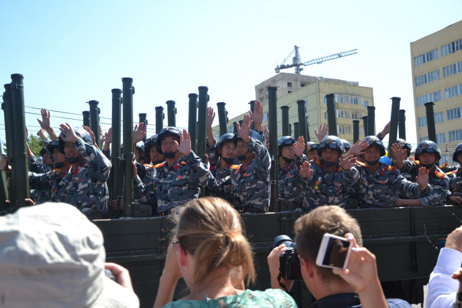 Vojáci se nesmí fotit. Až na výjimky, kdy se fotit musí.